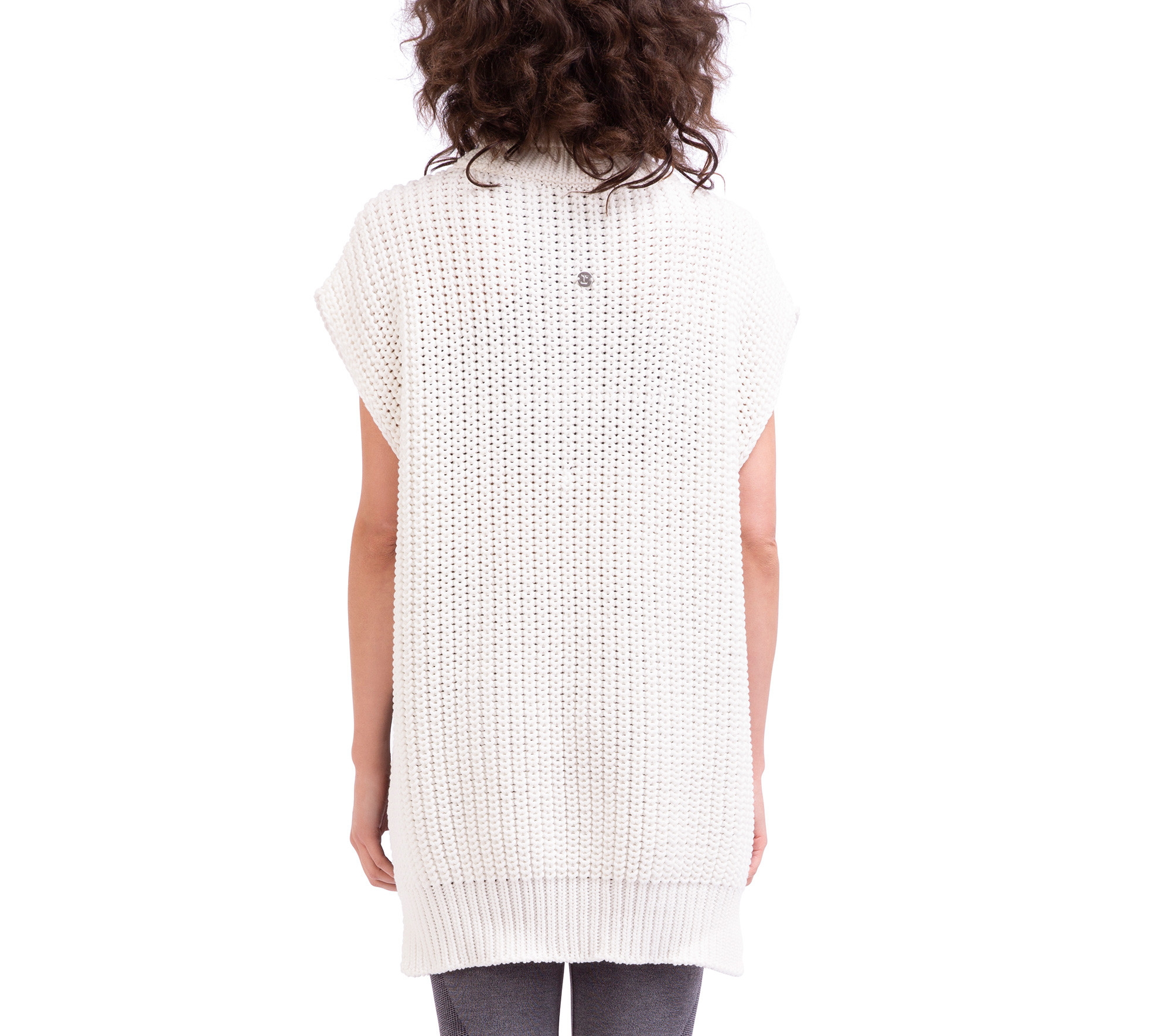 Pull forme poncho en maille tricot 3D
