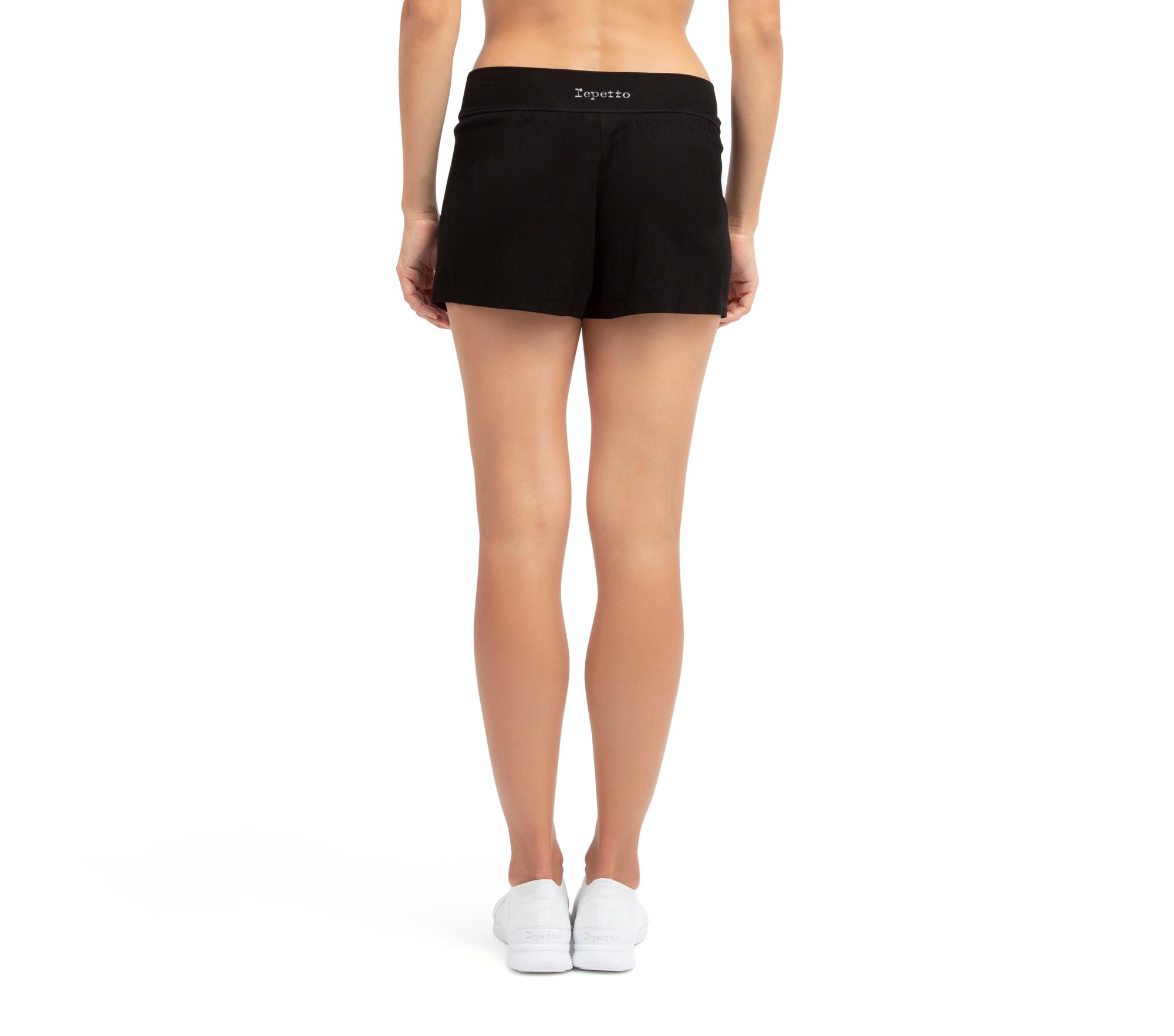 Viscose flat-waist shorts