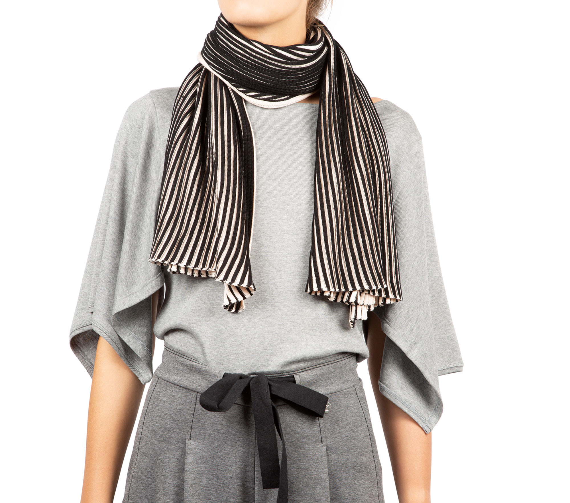 Two-colour ribbed knit, wide scarf