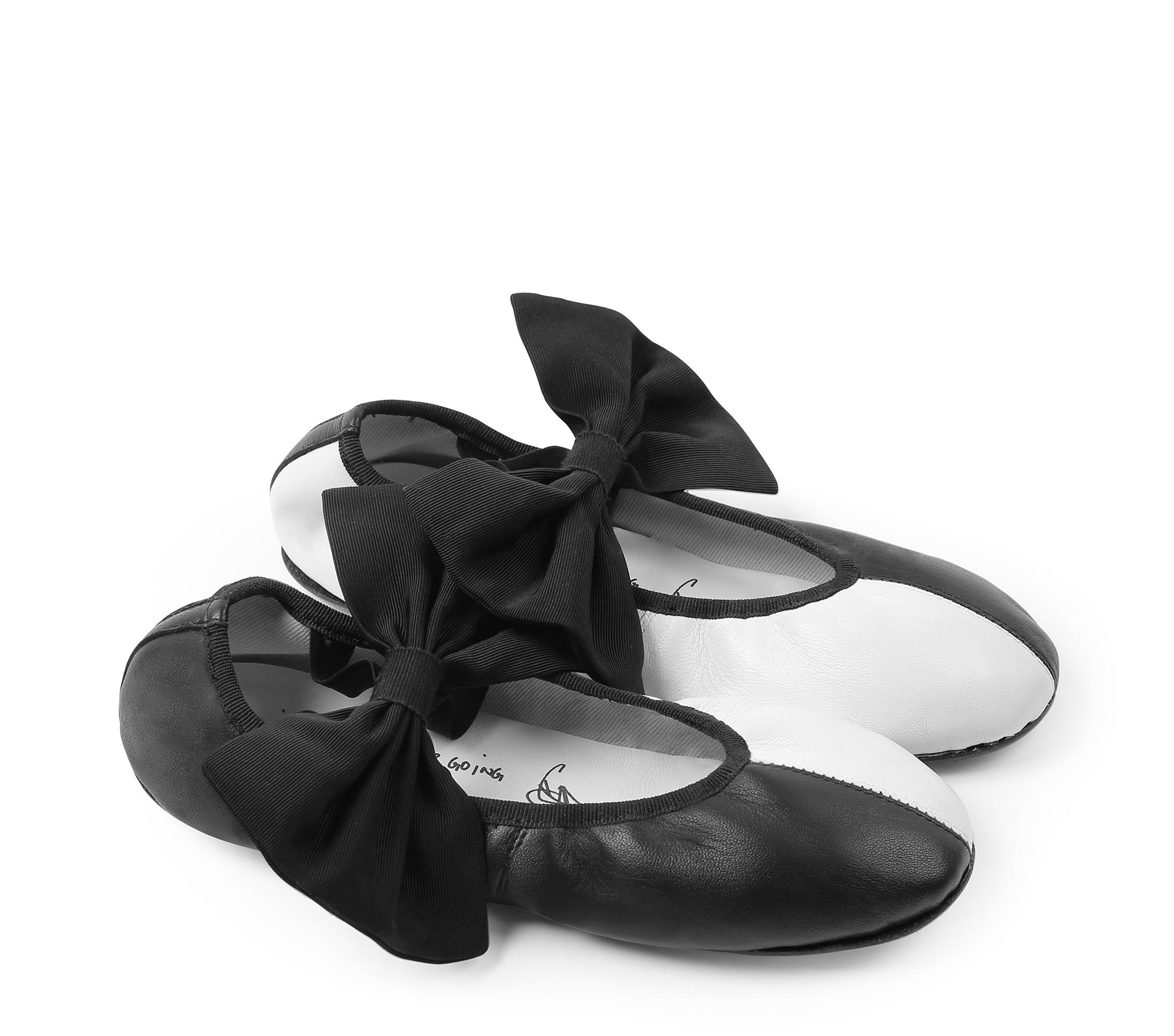 Sophia ballerinas by SIA