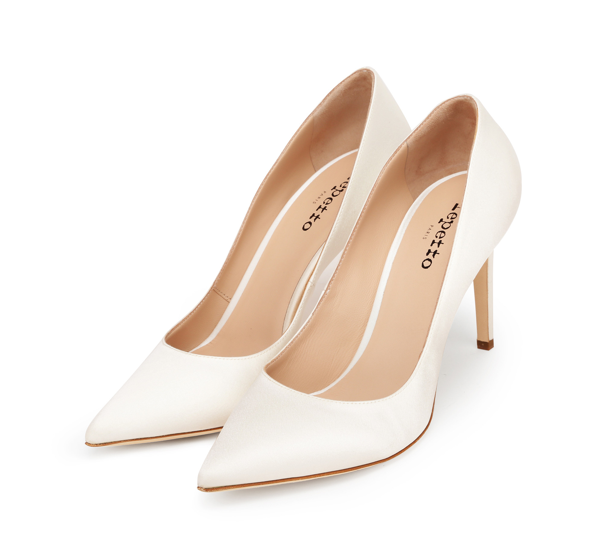 Tutu low cut pumps