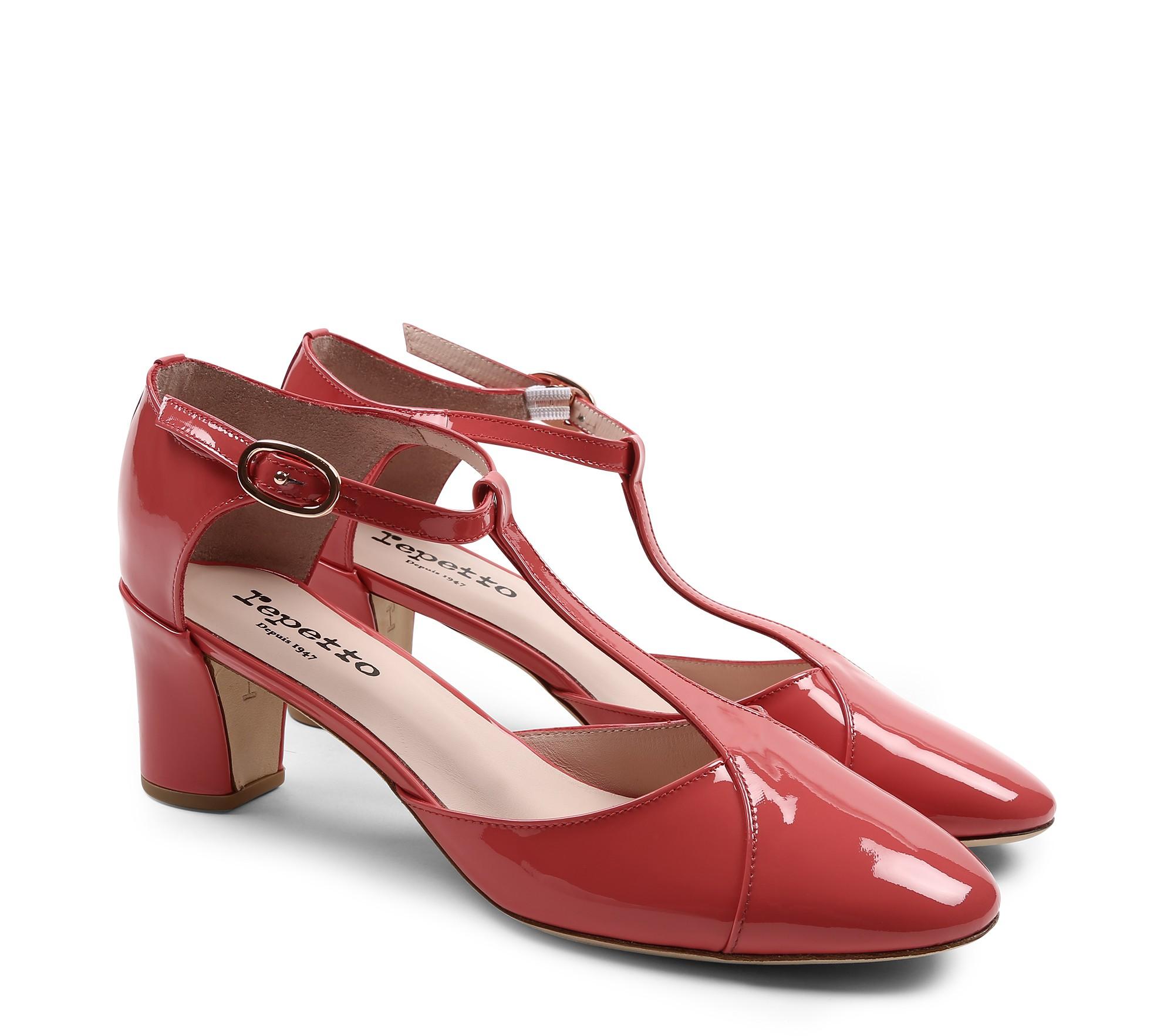 Giulieta T-strap shoe