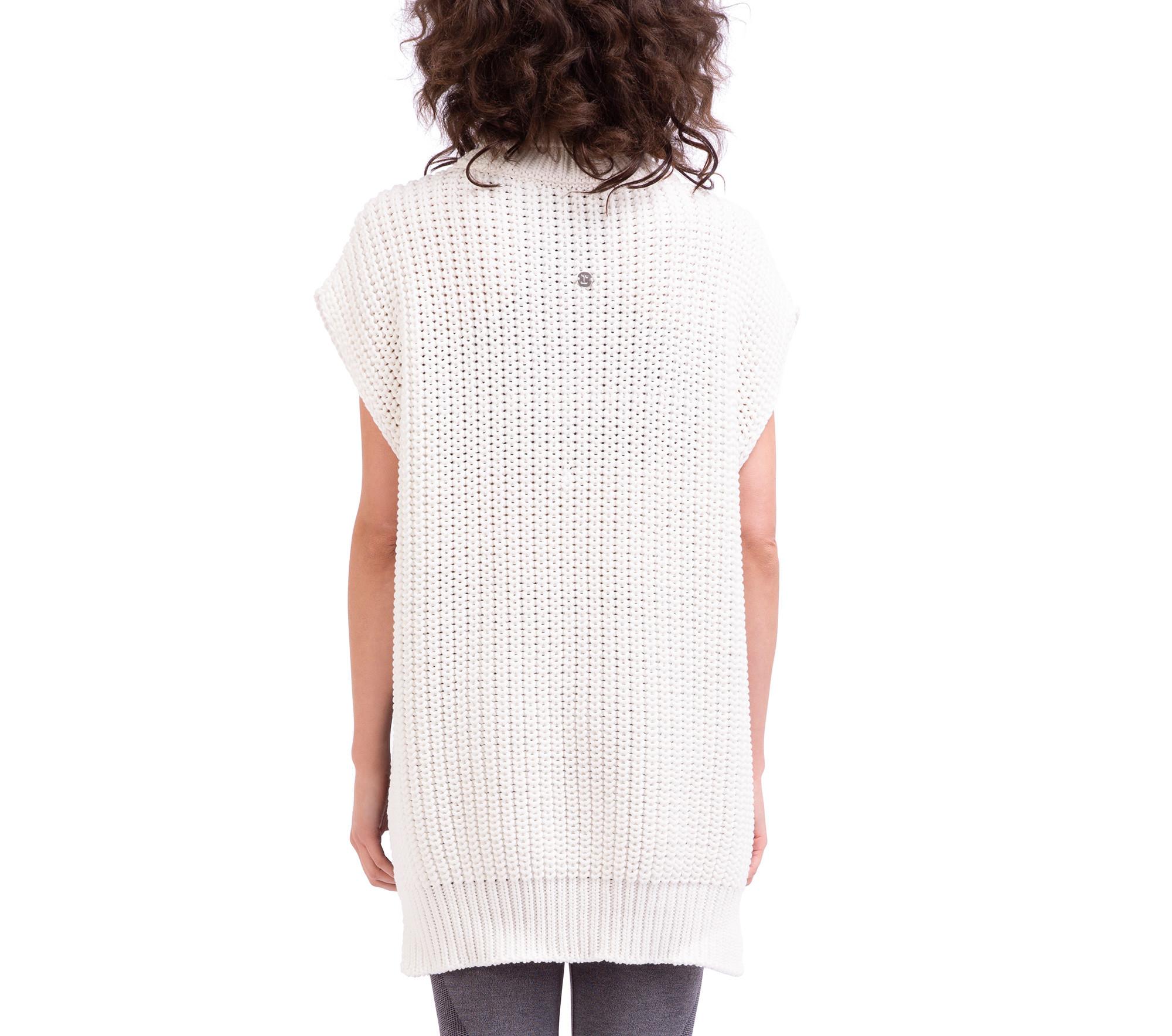 Maglione a poncho in maglia tricot 3D